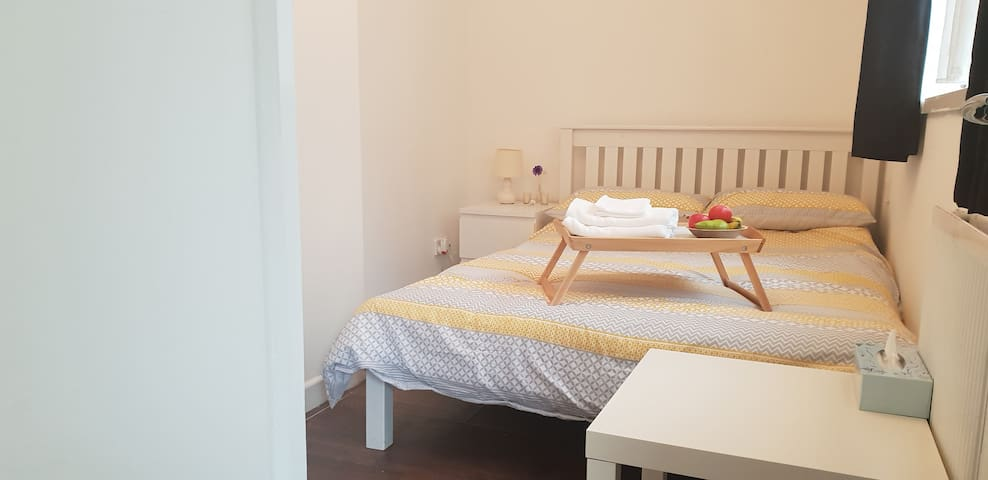 Cosy double room in Aldgate - #2