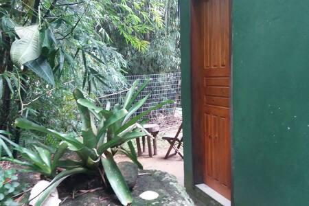 Hospedagem Sabiá laranjeira 3 Wi-Fi - Angra dos Reis