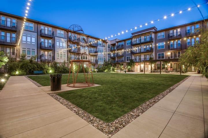 Beck's Brickyard - New Comfy Modern Apartment