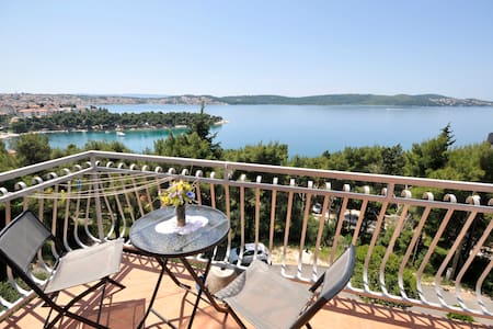 Seaview Apartment 2 - Trogir - Hus