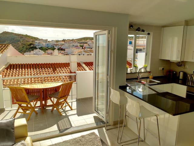 Stunning 3 bedroom townhouse in heart of Burgau
