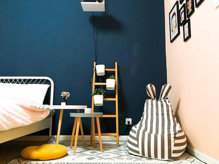 【小小的蓝房子】古城墙边 钟楼 鼓楼 回民街旁一居室公寓