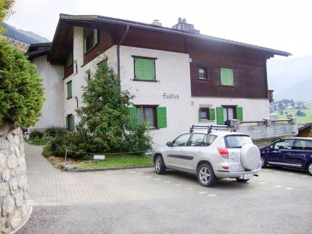 Familienfreundlich, nähe Bahnhof & Ski-Gebiet - Klosters Dorf - Daire