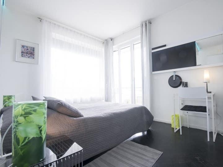 VAUDAIRE-Duplo-Premium-Casa de Banho com Chuveiro-Vista para o Lago