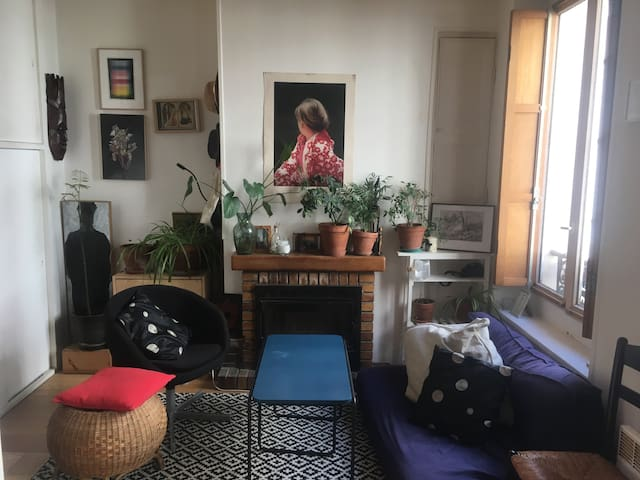 Lovely flat for 2, in Paris at Ménilmontant