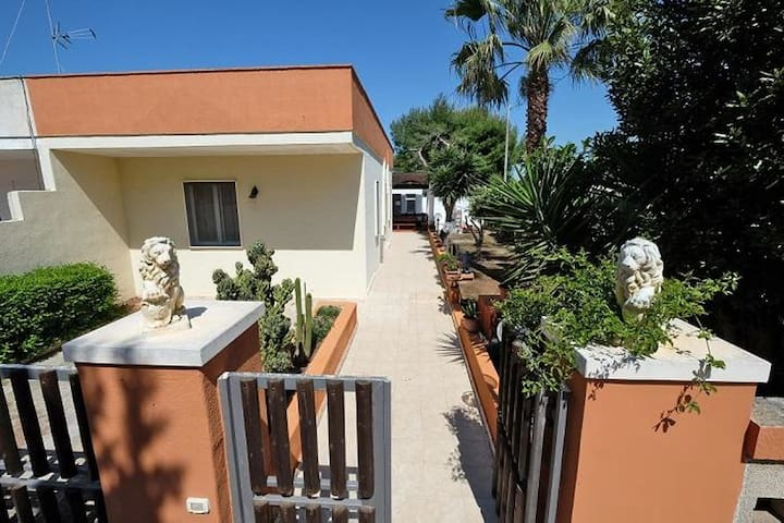 Idyllic holiday home with terrace - RivaMare 125