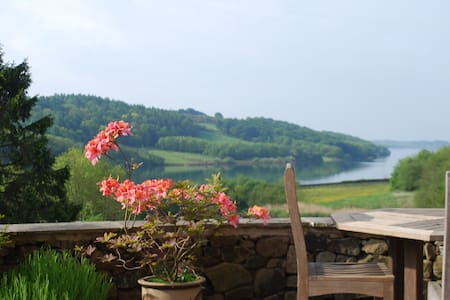 Stunning 5* SC Cottage with Lake views  sleeps 8 - Carsington