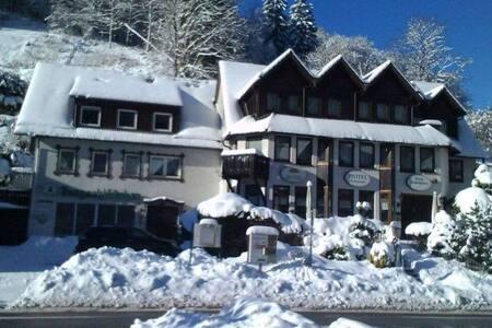 Schönes Gruppenhaus bis 14 Personen im Südharz - Zorge