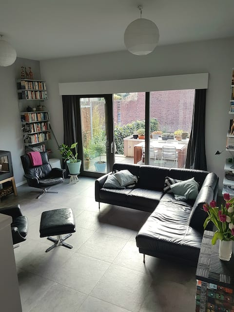 spacious family house 15min to center of Amsterdam
