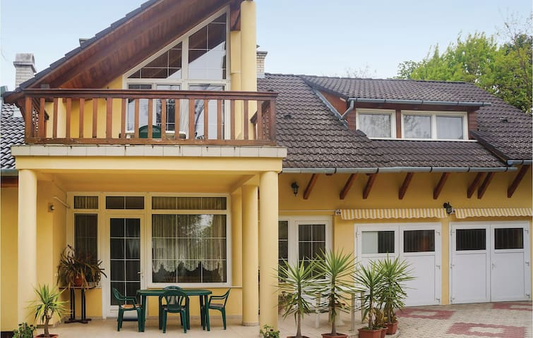 Holiday apartment with 2 bedrooms on 70m² in Balatonboglár