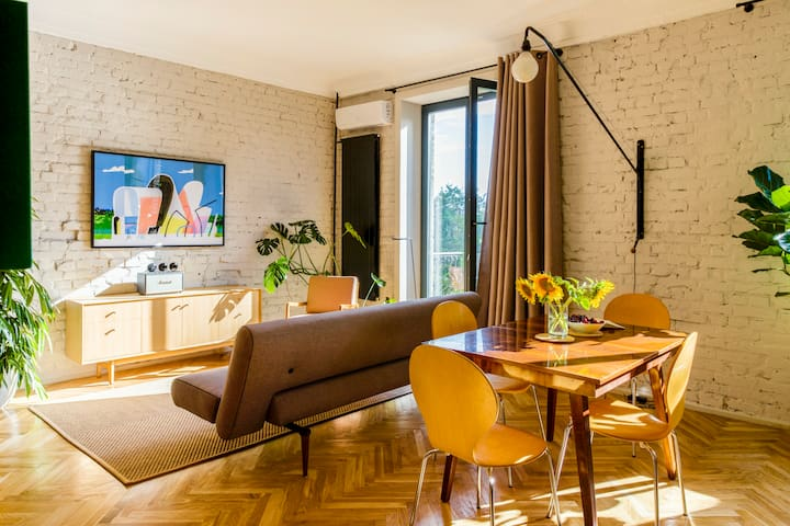 Tasteful and Iconic apartment on Golden gate