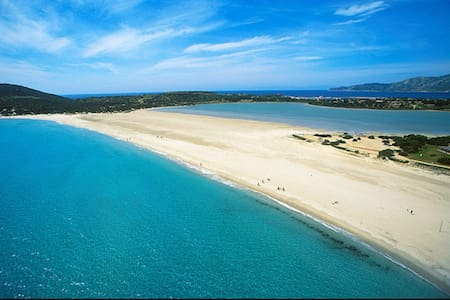 Spiaggia di PortoGiunco a due passi - Villasimius  - บ้าน