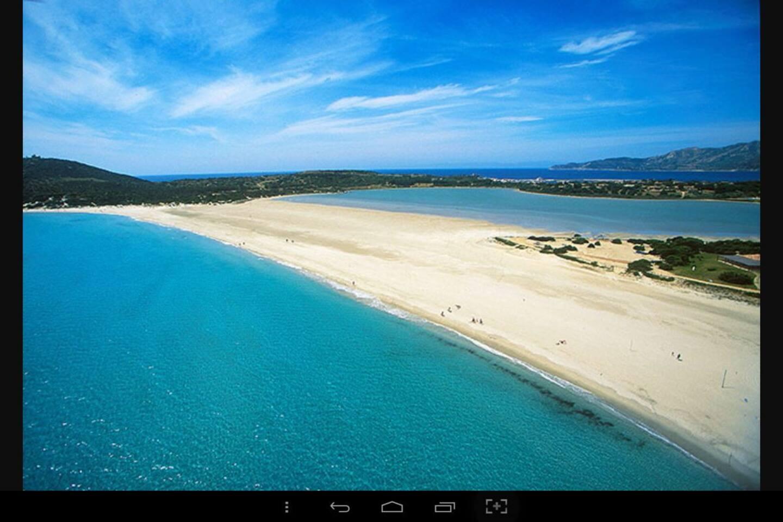Spiaggia di Porto Giunco  con i tre mari!