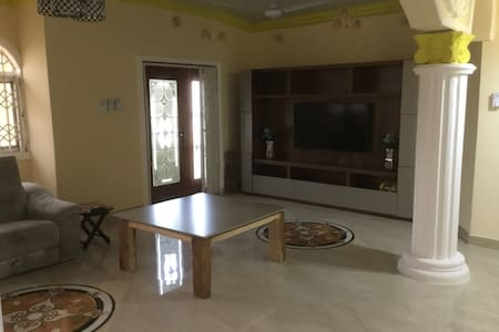 Located in quiet area close to Accra Central - Achimota - Διαμέρισμα