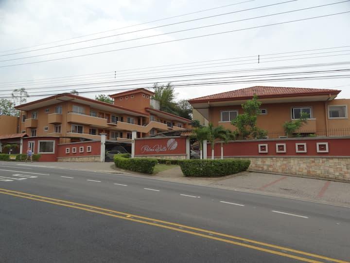 Apartamentos en Condominio Amueblados, Escazú