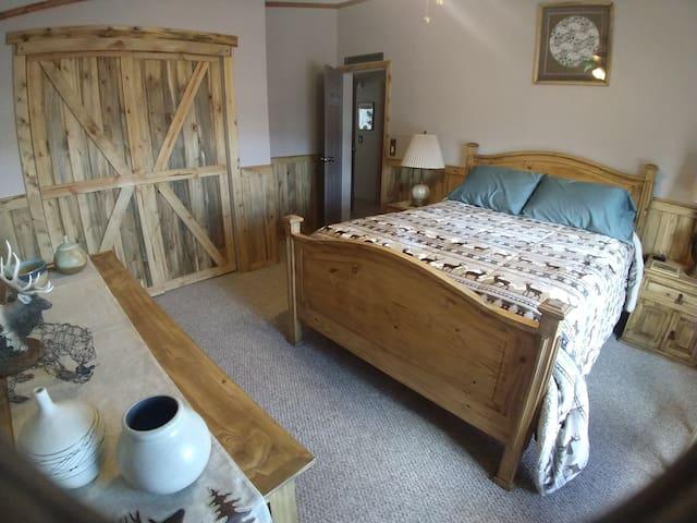 Desert Serenity Northwestern room
