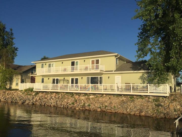 Lakefront Luxury Home on Lake Cornelia