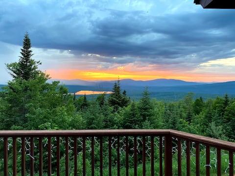 Mountain Retreat - VIEWS, Quiet, Family Friendly!