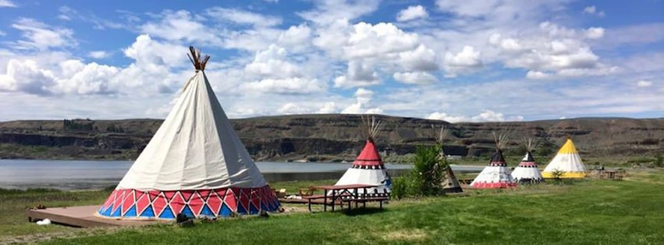 Lakefront Tipis - Soap Lake - Tipi
