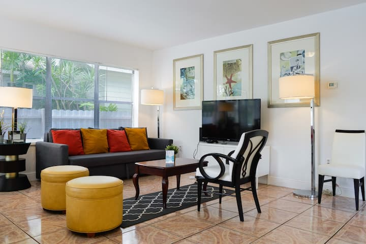 **Miami Home @ HEART OF DESING DISTRICT**