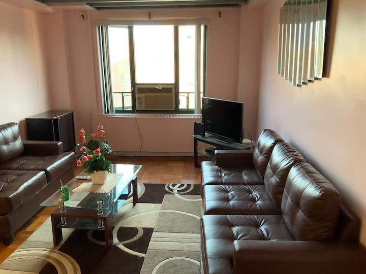 Parkchester ,nice Quiet 2 BR condo 25 min to NYC