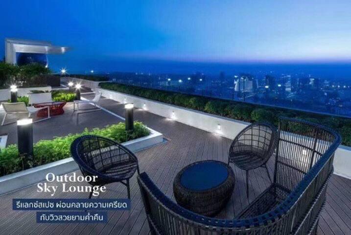EADI.市中心.与泰国明星同住.Ekkamai富人区高端地标公寓.俯瞰曼谷璀璨夜景