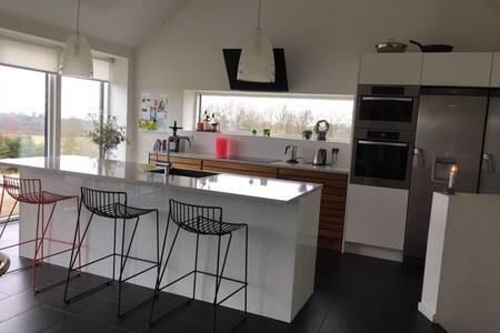 Lækker villa med fjordudsigt - Mariager - Rumah
