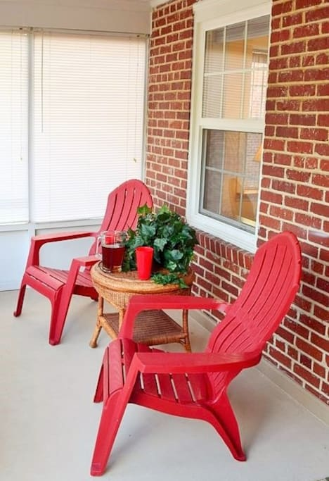 Relax on the screened-in front porch