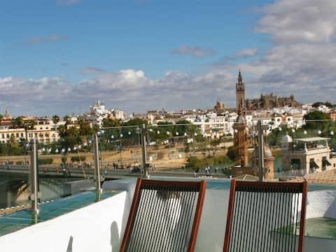 Casa Mora Triana. Ático-dúplex con terraza mirador