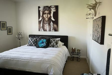 Tutanekai's Cottage ~Waitomo  Luxury B & B