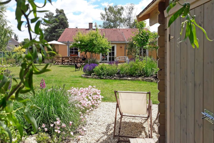 RELAX IN CHARMING HOUSE NEAR PRAGUE AND PODEBRADY