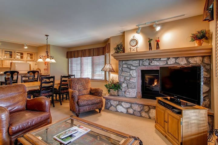 Lodge-style, ski-in/out condo with a fireplace, W/D, WiFi & shared pool/hot tub!