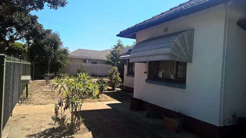 Quiet One bedroom space near to  Grandwest Casino - Cape Town - House