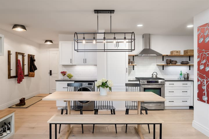 #1410A | 2bdrm | Lookout | 4th floor renovated space