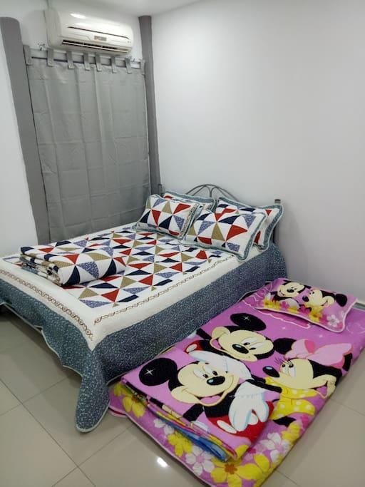 Bedroom 2 - 1 queen bed, 1 single mattress, air-conditioning...