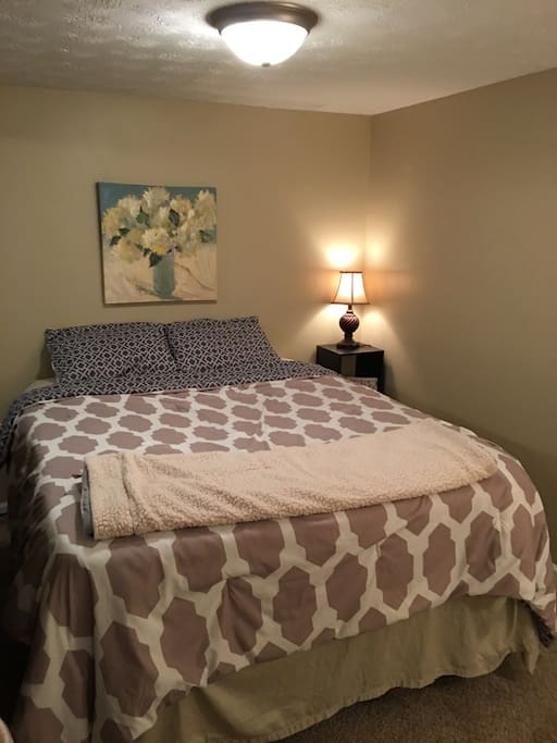 Queen Bed with Sheets/Blanket/Pillows