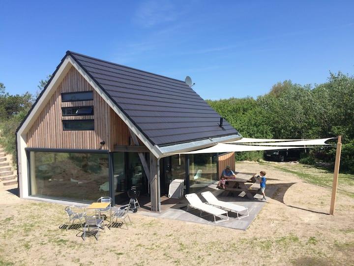 Nieuw vakantiehuis 8 pers loopafstand van strand