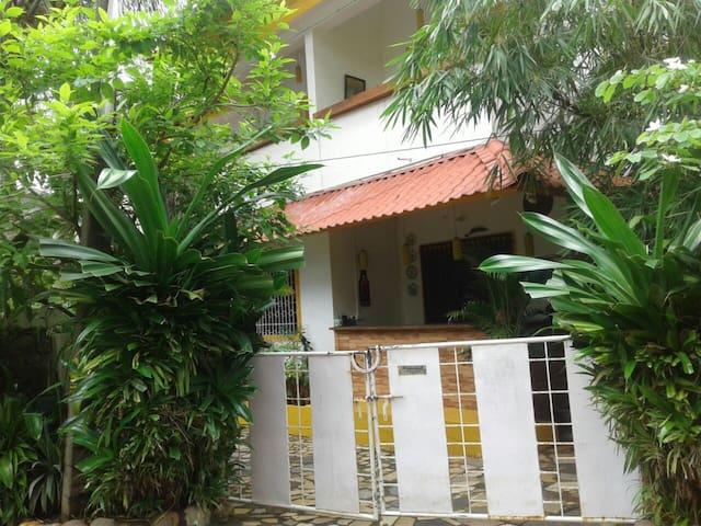 Demellow Guest House( 103)First floor