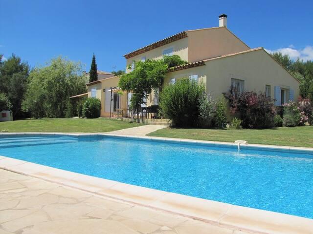 Charmante villa avec piscine au calme - Castelnau-le-Lez - Villa