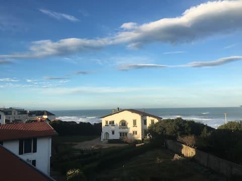T2 COTE DES BASQUES FACE A L'OCEAN