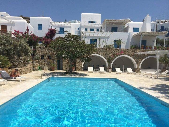 Mykonos hideaway with pool