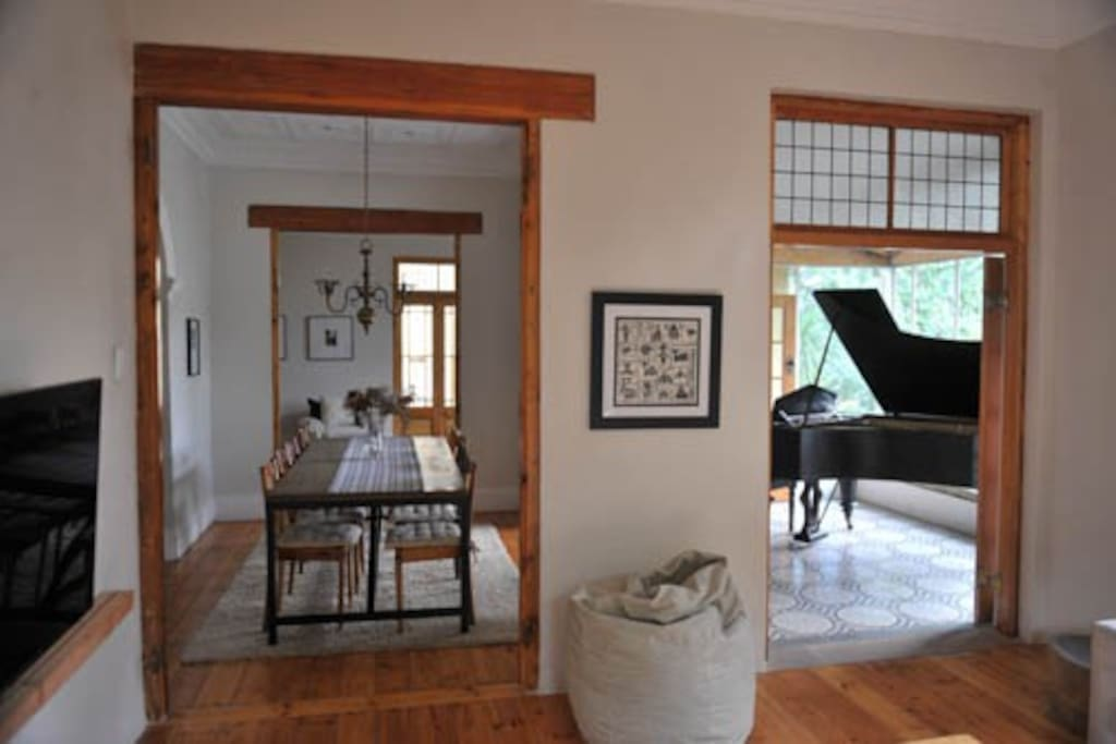 Grand Piano/Dining room