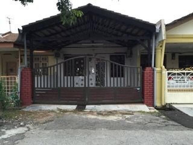 Impian Homestay, Taman Seri Cempaka, Bandar Melaka