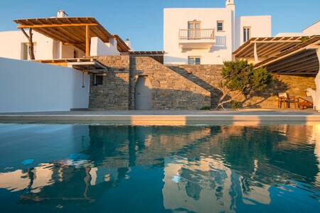 Villa with lovely view and private swimming pool - Paros