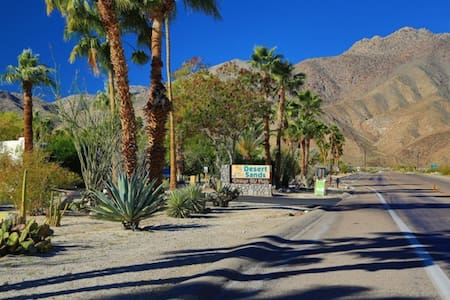 Vintage Glamping in Borrego Springs - Blue Bertha - Borrego Springs - Campingvogn