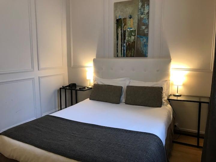 Chambre 2 personnes 10 minutes des Champs Elysées