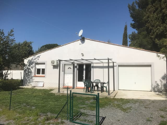 Nid douillet + parking - Villemoustaussou - House