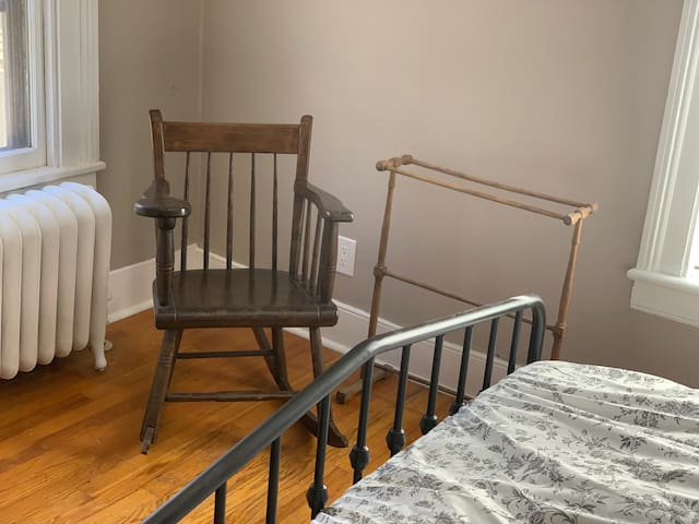 Renovated Victorian House 3 Blocks from Main St.