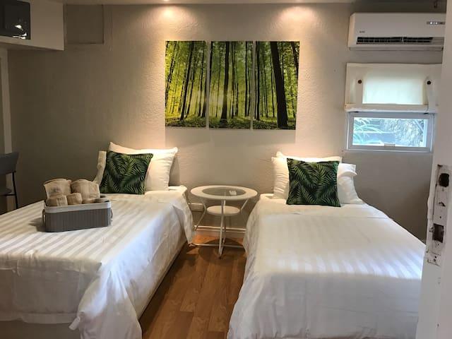 Spacious 1 Bedroom in Banilad w/ Kitchen