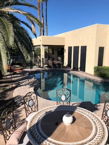 Great home in Scottsdale close to everything!